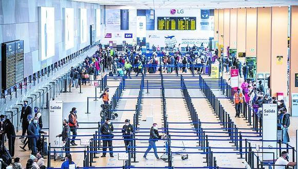 La oficina ubicada en el aeropuerto Jorge Chávez funciona de lunes a domingo. (Foto: Ernesto Benavides / AFP)