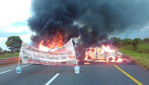 """""""A ver cuántos salen vivos"""", reza el mensaje de los criminales a la Guardia Nacional en México. (Foto: Twitter - Carlos Loret)"""