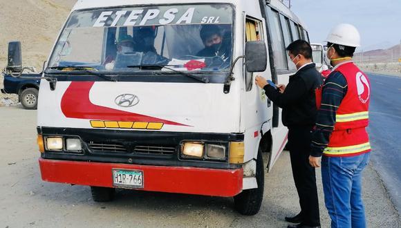 La Sutrán y la policía intervienen vehículos que hacen el servicio sin autorización y sin protocolos de bioseguridad. Este fue un operativo del 9 de julio en la región Áncash