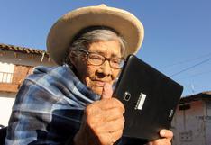 Cajamarca: adultos mayores aprenden a leer y escribir con aplicativo móvil