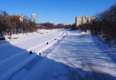 Canadá: una de las pistas de hielo naturales más largas del mundo transforma Winnipeg | FOTOS