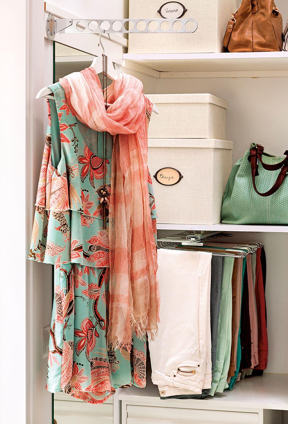 El armario debe tener múltiples divisiones para que todo se vea mejor. (Foto: Pinterest El Mueble)