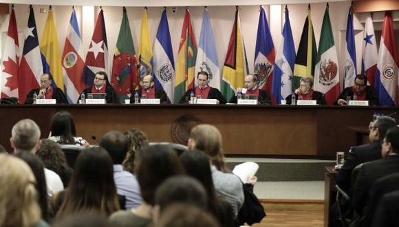 La Corte IDH resolvió por mayoría que el Estado peruano archive el proceso contra los magistrados del TC que se sigue en el Congreso. La Junta de Portavoces se reunirá este lunes para analizar la resolución. (Foto: EFE)
