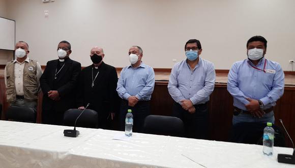 Los representantes de la Iglesia en la mesa de diálogo: el cardenal Barreto (mascarilla negra) y a su costado el obispo de Ica, Héctor Vera. (Foto: Gobierno Regional de Ica)