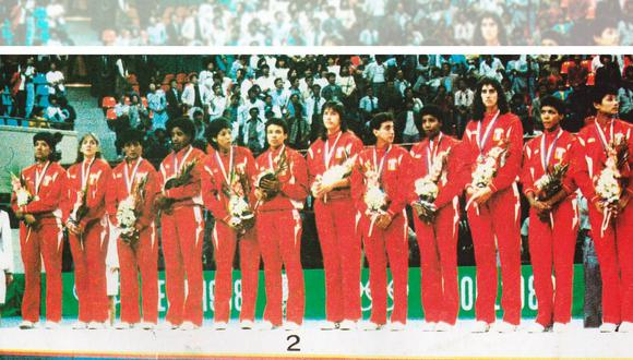 Las medallistas olímpicas. Fue la tercera medalla peruana en unos Juegos. Luego llegó la de Giha en Barcelona 92. (Foto: Archivo Histórico El Comercio)