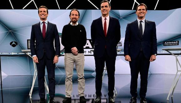 Las encuestas de España apuntan de forma unánime a que los socialistas quedarán en primer lugar, pero sin una mayoría de gobierno. (Foto: AFP)
