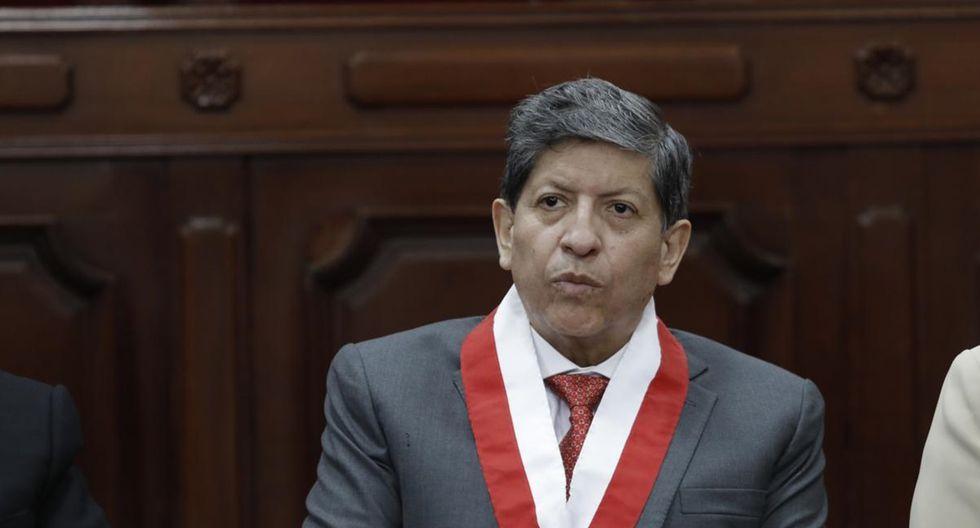 """""""El Tribunal Constitucional (TC) tiene la tarea de defender la Constitución. El magistrado Carlos Ramos propone, sin embargo, consagrar la perforación de sus ejes: la separación y el balance de poderes"""". (Foto: USI)"""