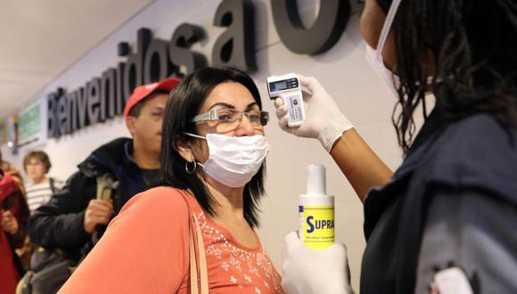 El gobierno de Colombia ha intensificado los controles a los viajeros que llegan al aeropuerto internacional El Dorado. (Foto: EFE)