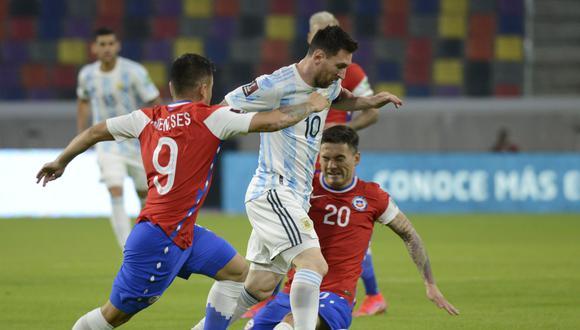 Sigue Argentina Vs Chile En Vivo Online Minuto A Minuto En Directo Del Partido Por Las Eliminatorias Qatar 2022 Lionel Messi Selección Argentina Selección Chilena Tnt Sports