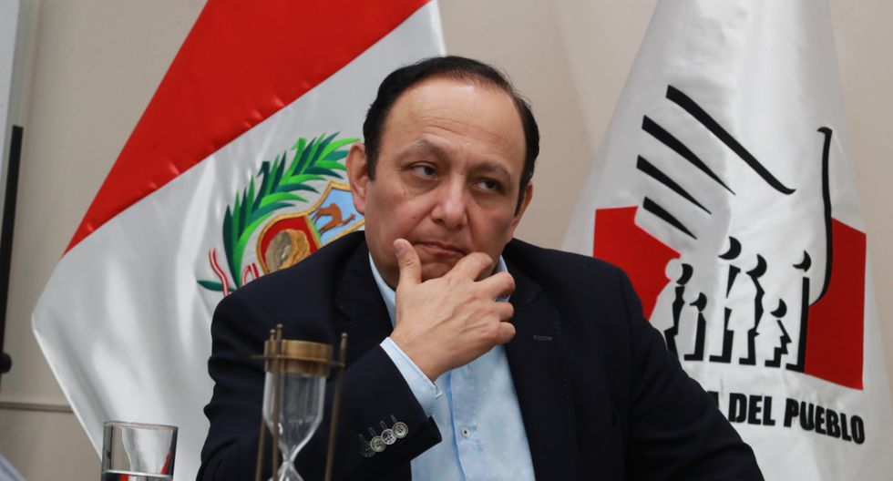 """Walter Gutiérrez señaló que los discursos de los funcionarios públicos no pueden referirse """"a favor o en contra de los demás candidatos o movimientos políticos"""". (Foto: GEC)"""