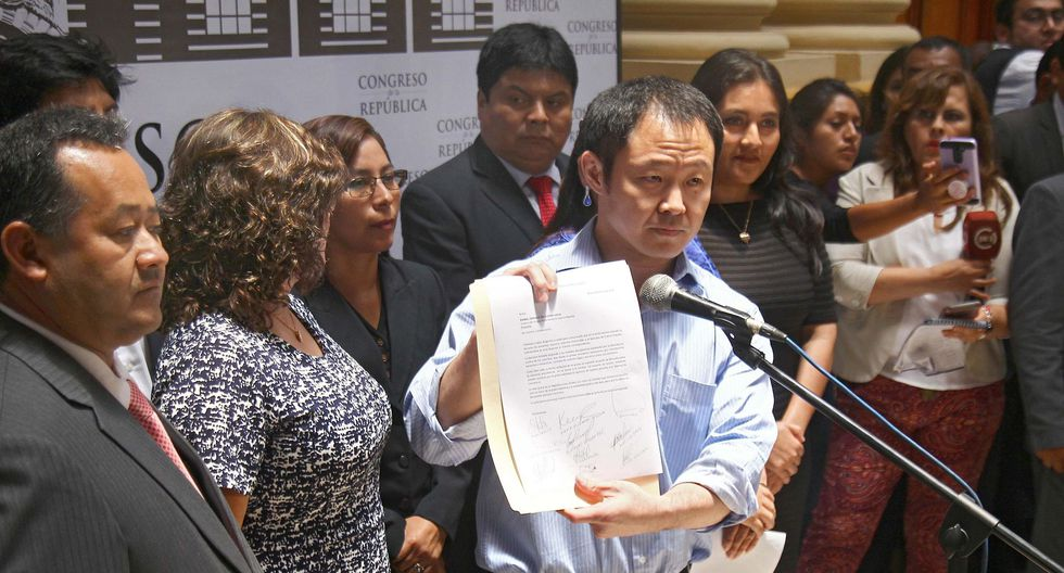 Kenji Fujimori agradeció a sus colegas que renunciaron a Fuerza Popular con él. (Foto: EFE)
