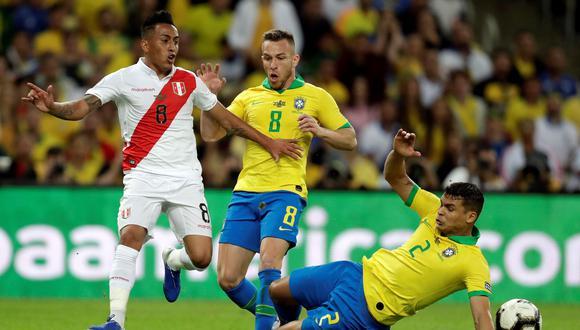 Perú vs. Brasil: así fue la acción que propició el penal a favor de la 'Blanquirroja' | Foto: EFE
