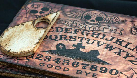 En el estado de Salem, Massachusetts, Estados Unidos, una Ouija gigante apareció para rápidamente hacerse viral con fotos y videos de Facebook e Instagram.   FB