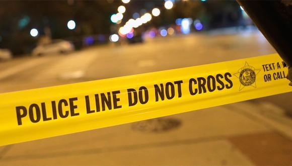 La policía dijo que el bebé estaba en una acera afuera de una casa ubicada al noroeste de Chicago cuando comenzaron los disparos. (AFP)