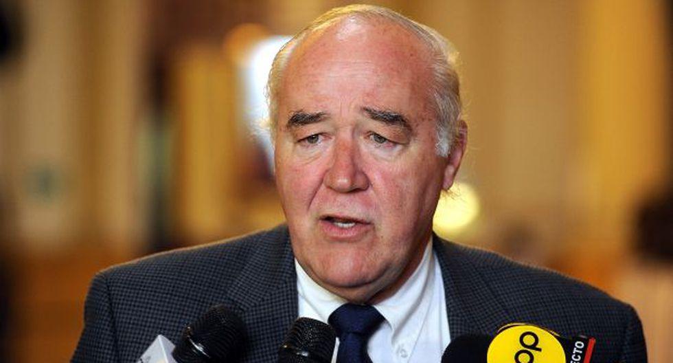 García Belaunde no ve posibilidades en moción del Frente Amplio