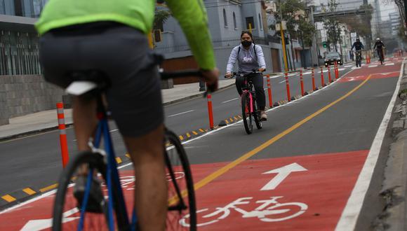 Cientos de ciclistas acudieron a la Costa Verde debido a la prohibición de uso de vehículo particular. (Foto: Fernando Sangama)