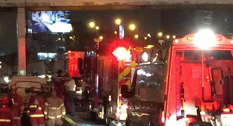 Metropolitano: auto chocó contra puente y generó congestión - 2