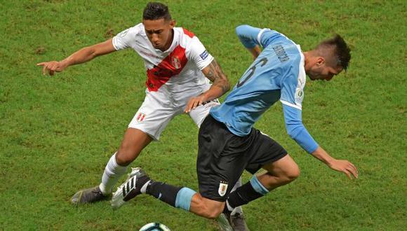 Christofer Gonzales fue suplente e ingresó a los 75' en duelo ante Uruguay. (Foto: AFP)