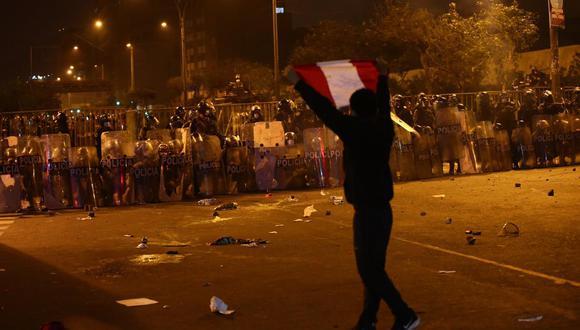 La policía utilizó bombas lacrimógenas para dispersar a las personas, (Foto: GEC)