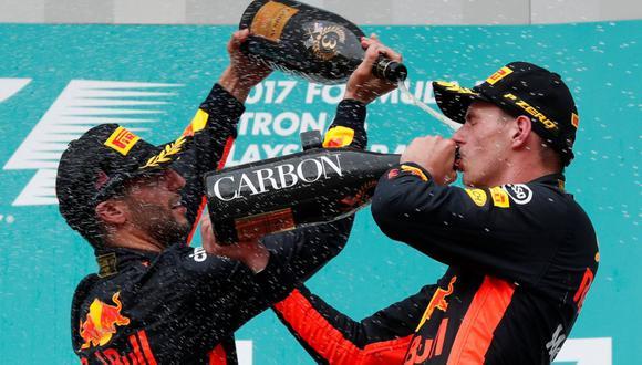 Daniel Ricciardo y Max Verstappen compartieron equipo por tres años en Red Bull. (Foto: REUTERS/ Edgar Su)