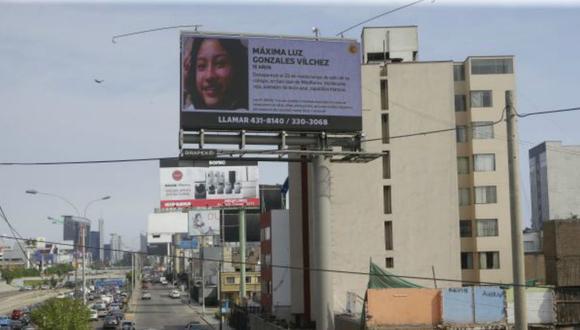 Esta es una de las pantallas gigantes que difunden en Lima las alertas sobre menores desaparecidos emitidas por la Policía Nacional. (Foto: Alonso Chero)
