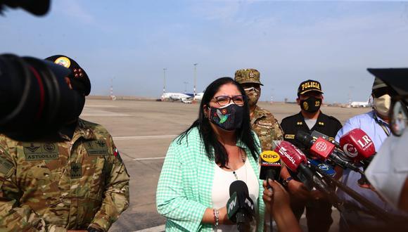 La ministra de Defensa dijo que están identificadas las personas que entregaron la carta a la mesa de partes de las Fuerzas Armadas | Foto: Andina / Referencial
