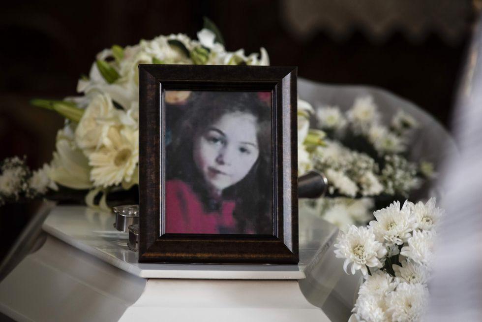 El funeral de una niña rumana víctima del asesino en serie chipriota. (AFP).