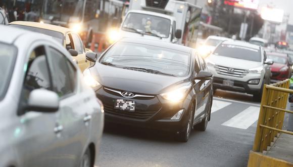 Desde el lunes 22 de julio inició el programa piloto 'Pico y Placa', que restringe la circulación de vehículos en ciertas calles.(Foto: GEC)