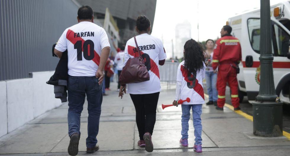 El inolvidable día en que se va a la cancha por primera vez. (Foto: Anthony Niño de Guzmán / El Comercio)
