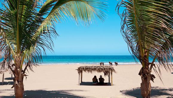 El famoso balneario norteño volvió a abrir sus playas desde inicios de marzo. En el caso de Máncora, se maneja un aforo máximo de 1.600 bañistas para garantizar que no haya contagios. (Foto: César Bueno/ GEC).. (Foto: PromPerú).