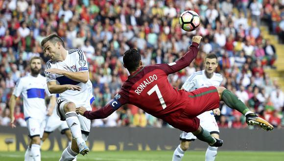 Cristiano Ronaldo abrió el marcador en el duelo entre Portugal e  Islas Feroe con un golazo de tijera. (Foto: AFP)
