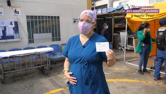Marisa Cabrera decidió vacunarse contra el COVID-19, teniendo 30 semanas de gestación. (Captura video / Colegio Médico del Perú)