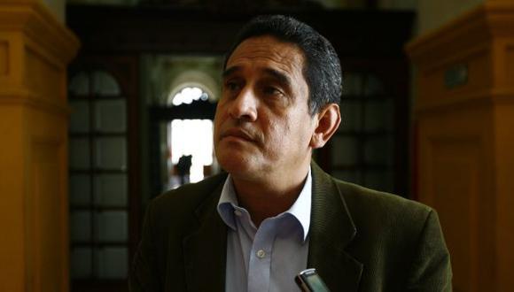 Belaunde Lossio: El Ejecutivo lo protege, señala Mesías Guevara