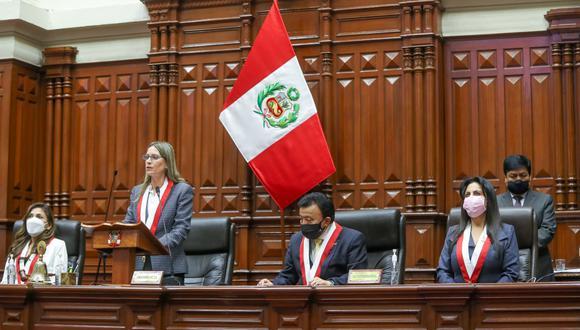 María del Carmen Alva ganó las elecciones para presidir la Mesa Directiva. Su único contendor fue Jorge Montoya. (Foto: Congreso)