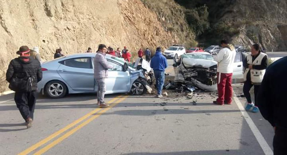 Huancavelica: Juez de Paz muere en choque frontal de dos autos