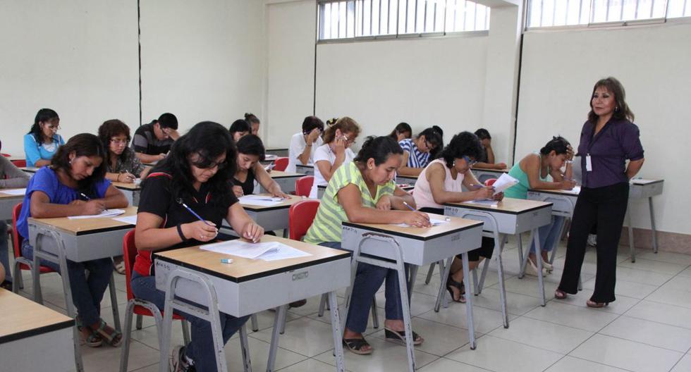 Juan Cadillo, coordinador del sector Educación de Perú Libre, resalta la importancia de mejorar el mecanismo de ingreso a la carrera. Considera que la PUN –aplicada en la primera fase del proceso– es solo una prueba cognoscitiva que no refleja necesariamente el buen desempeño en el aula. (Foto: Andina)
