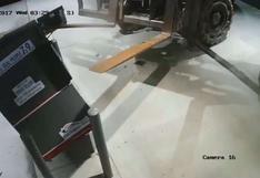 Ladrón se llevó un cajero automático con cargador telescópico