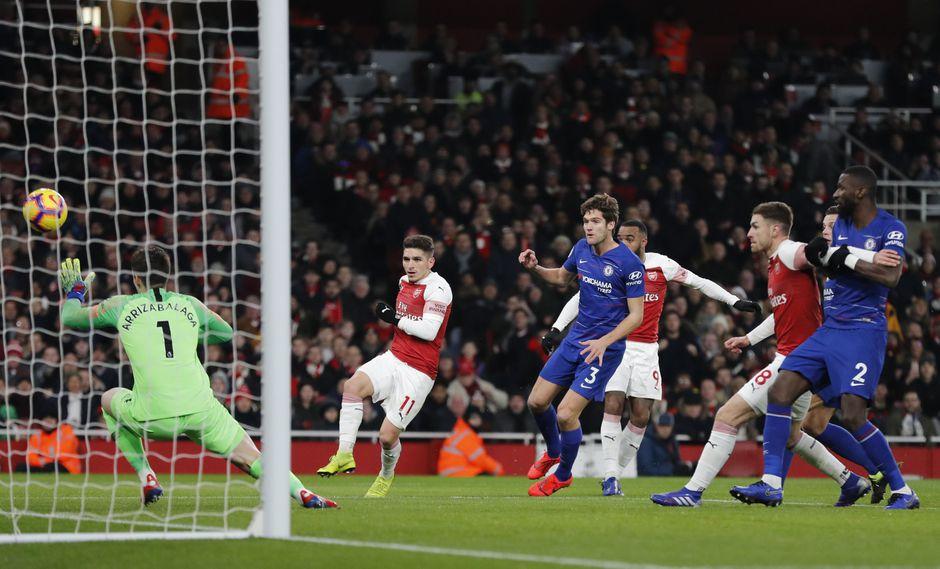 Arsenal vs. Chelsea: mira el golazo de Alexandre Lacazette para el 1-0 en el Emirates Stadium. | Foto: AP