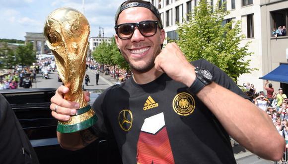 Lukas Podolski fue campeón del mundo con Alemania en 2014. (Foto: AFP)