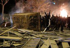 España: lanzan bombarda contra helicoptero que sobrevolaba manifestación en Cataluña [VIDEO]