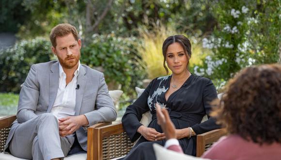 El príncipe Harry y su esposa Meghan de Sussex en la entrevista con la presentadora Oprah Winfrey. (Foto: Joe Pugliese | Harpo Productions | AFP)
