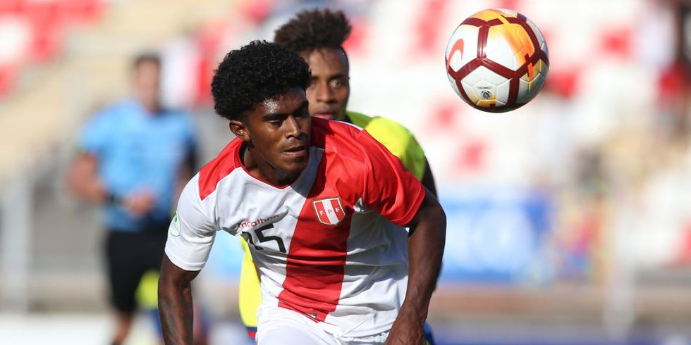 La selección peruana sub 20 regresó a Lima después de caer en el Sudamericano en Chile. (Foto: AFP)