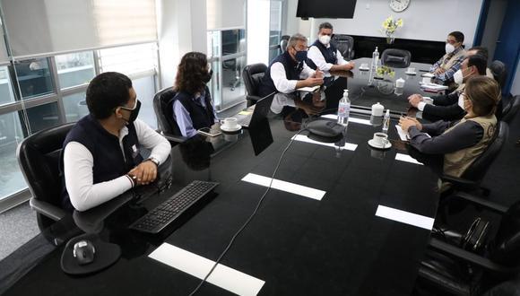 Jefe de la ONPE, Piero Corvetto, se reunió con integrantes de la Misión de Observación Electoral de la OEA. (Foto: ONPE)