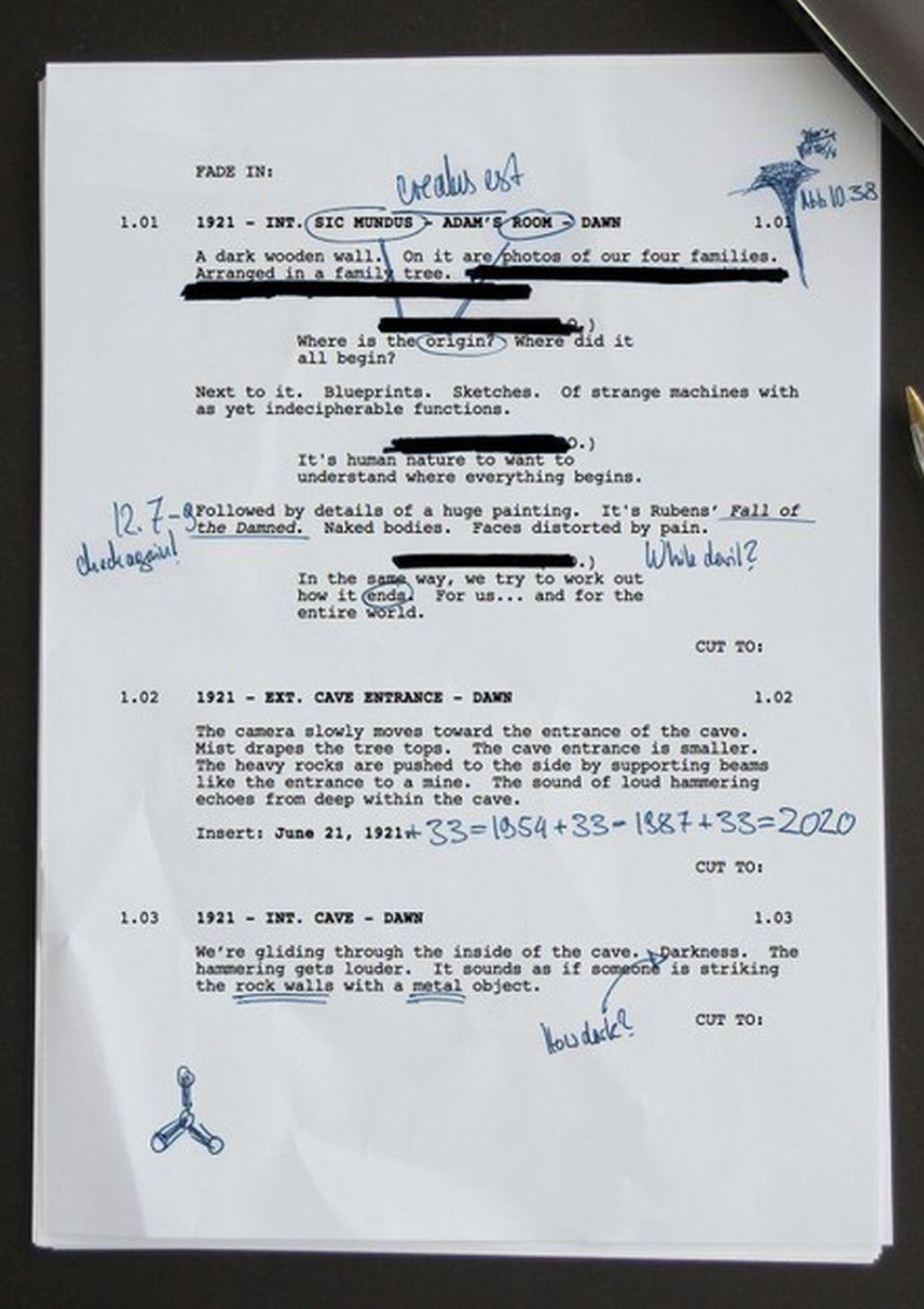 """Primera página del guion de la segunda temporada 2 """"Dark"""" (Foto: Netflix)"""