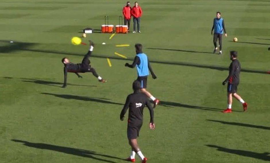 Lionel Messi regaló golazo de chalaca en los entrenamientos del Barcelona. (Foto: captura de YouTube)