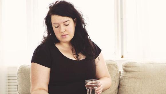 Muchas mujeres buscan adelgazar rápidamente y sin mucho esfuerzo cayendo en el consumo de pastillas 'milagrosas'. (Foto: iStock)