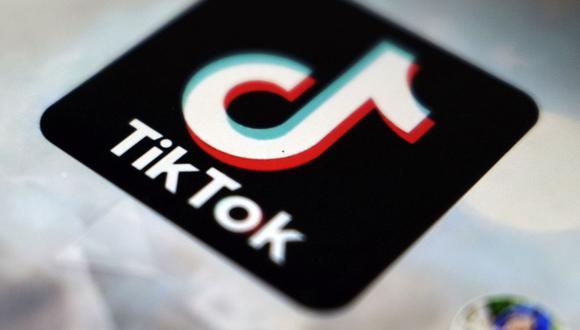 Miles de cuentas de TikTok se están convirtiendo en privadas de forma automática. (Foto: AP)