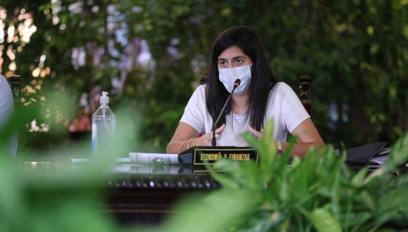 La ministra María Antonieta Alva indicó que primero deben cambiar las condiciones económicas para que se evalúe nuevamente. (Foto: MEF)