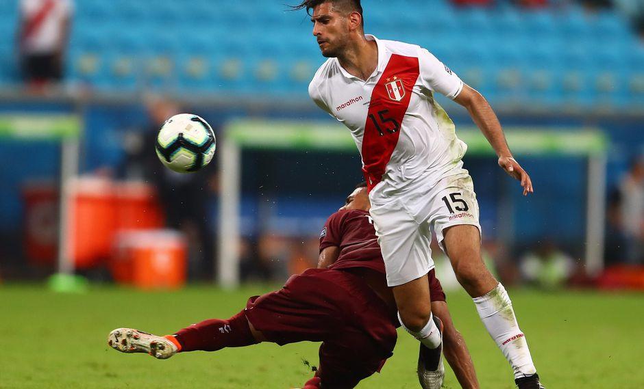 Carlos Zambrano reaparecería en la zaga peruana este sábado frente a Uruguay, en el duelo de cuartos de final. (Foto: Francisco Neyra - enviado especial)