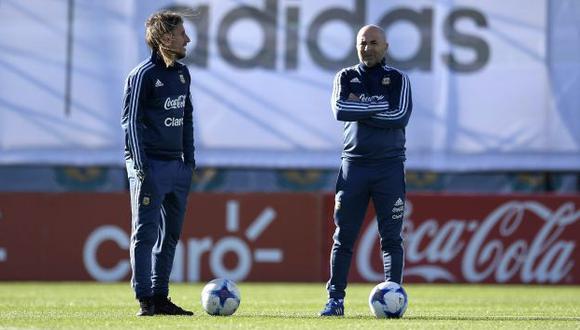 Beccacece y Sampaoli coincidieron por última vez en la selección de Argentina en el Mundial de Rusia. (Foto: AFP)